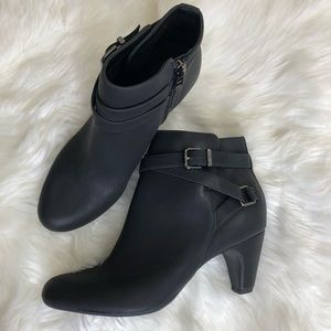 Sam & Libby Mable Buckle Booties